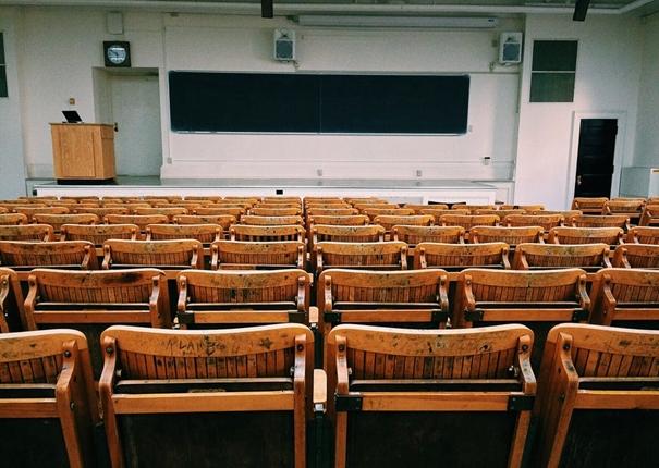 Een kijkje in het klaslokaal: Doing Theology