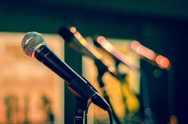 To sing or not to sing, that is the question